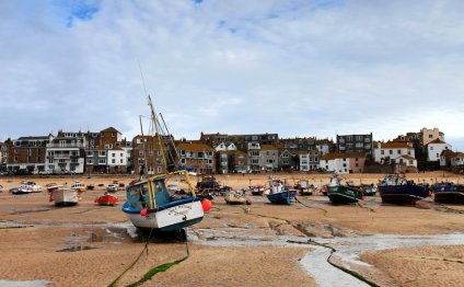 A Brush With St. Ives: Art